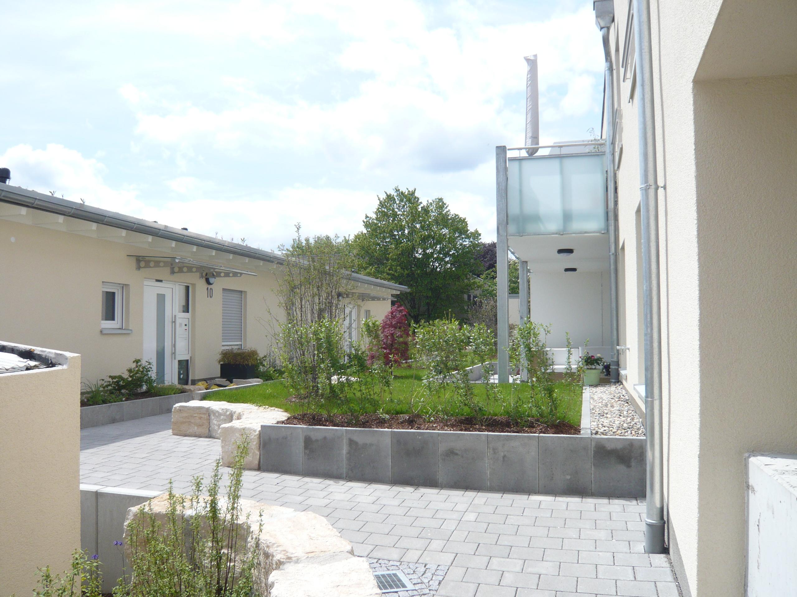mehrfamilienhaus hahnenstra e in ludwigsburg eglosheim sch ner wohnen immobilien ludwigsburg. Black Bedroom Furniture Sets. Home Design Ideas