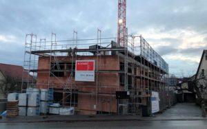 chöner Wohnen in Sachsenheim - Rohbau Haus 1 schreitet voran